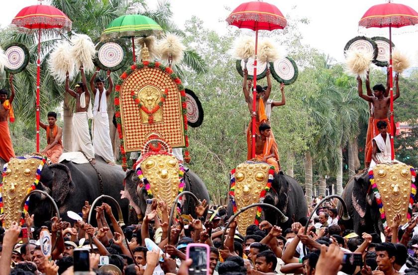 F_KanaKukui_Thrissur Pooram_India_festival_4.jpg