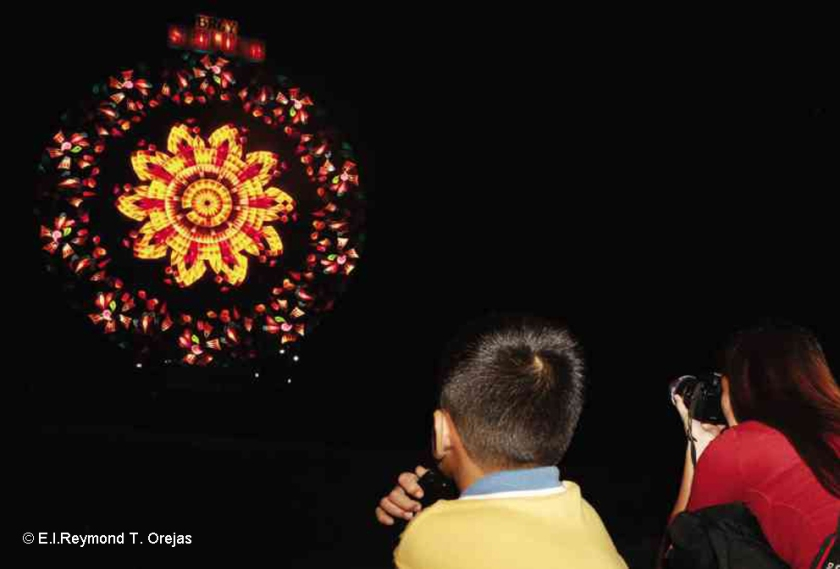 F_KanaKukui_Philippines_Lantern_festival_5