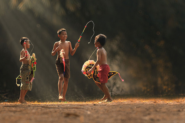 Indonesian children at play