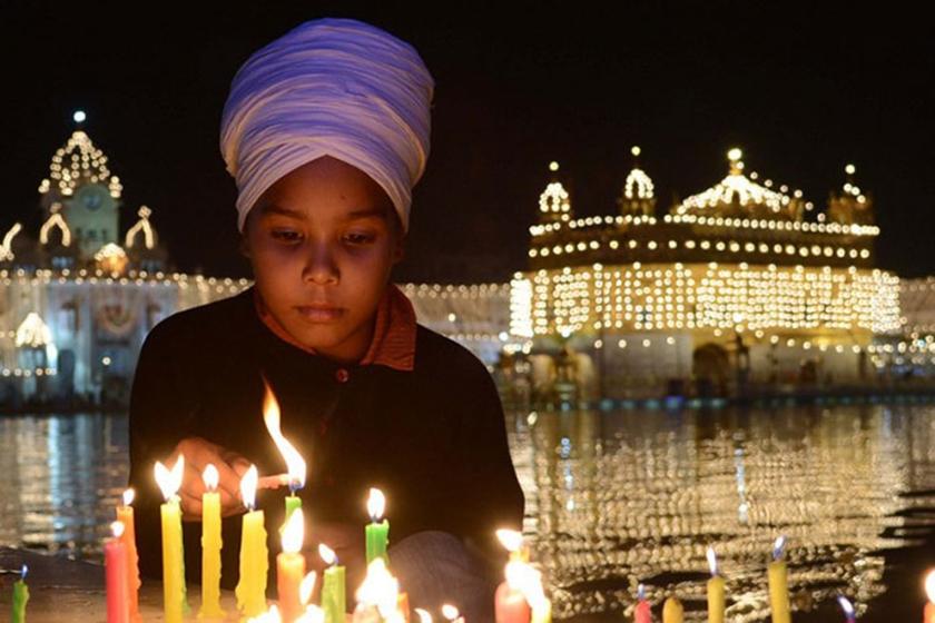 TOPSHOTS-INDIA-RELIGION-SIKH-DIWALI